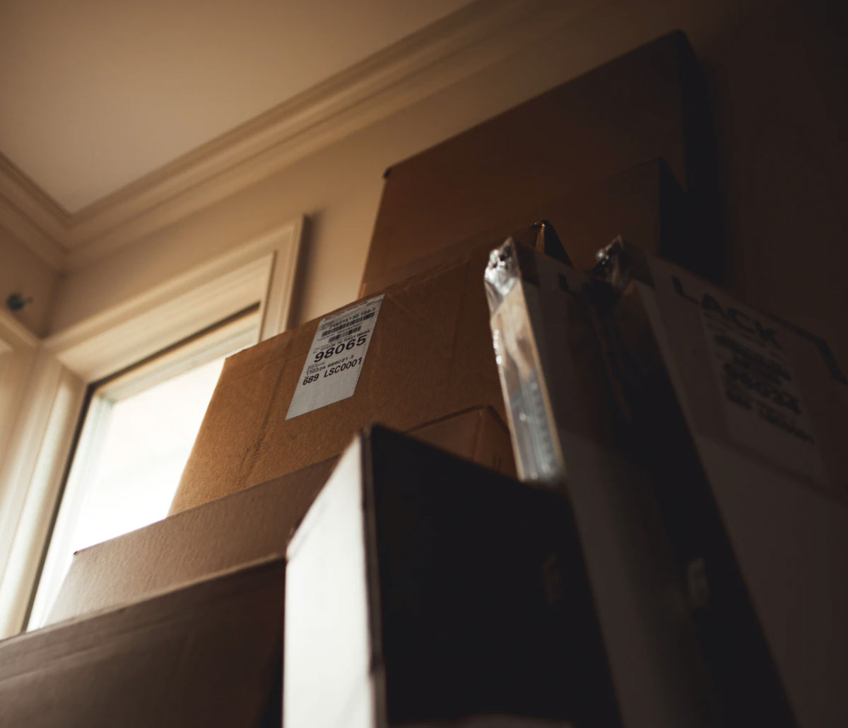 Are you considering utilizing residential moving services for your upcoming move in Alaska? Keep these great benefits in mind as you decide what's best for you.